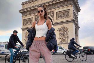 В корсете и спортивных штанах: стильная Изабель Гулар в Париже