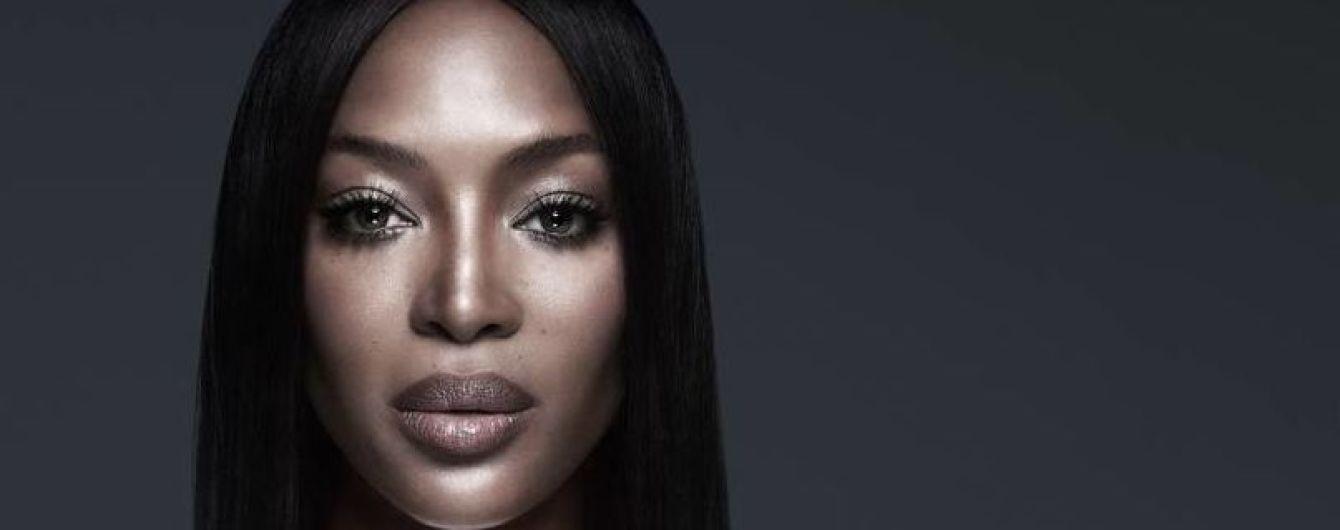 48-летняя Наоми Кэмпбелл снялась топлес для новой рекламной кампании