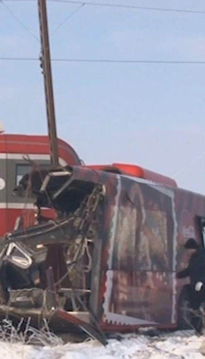 В Сербии поезд врезался школьный автобус, есть погибшие