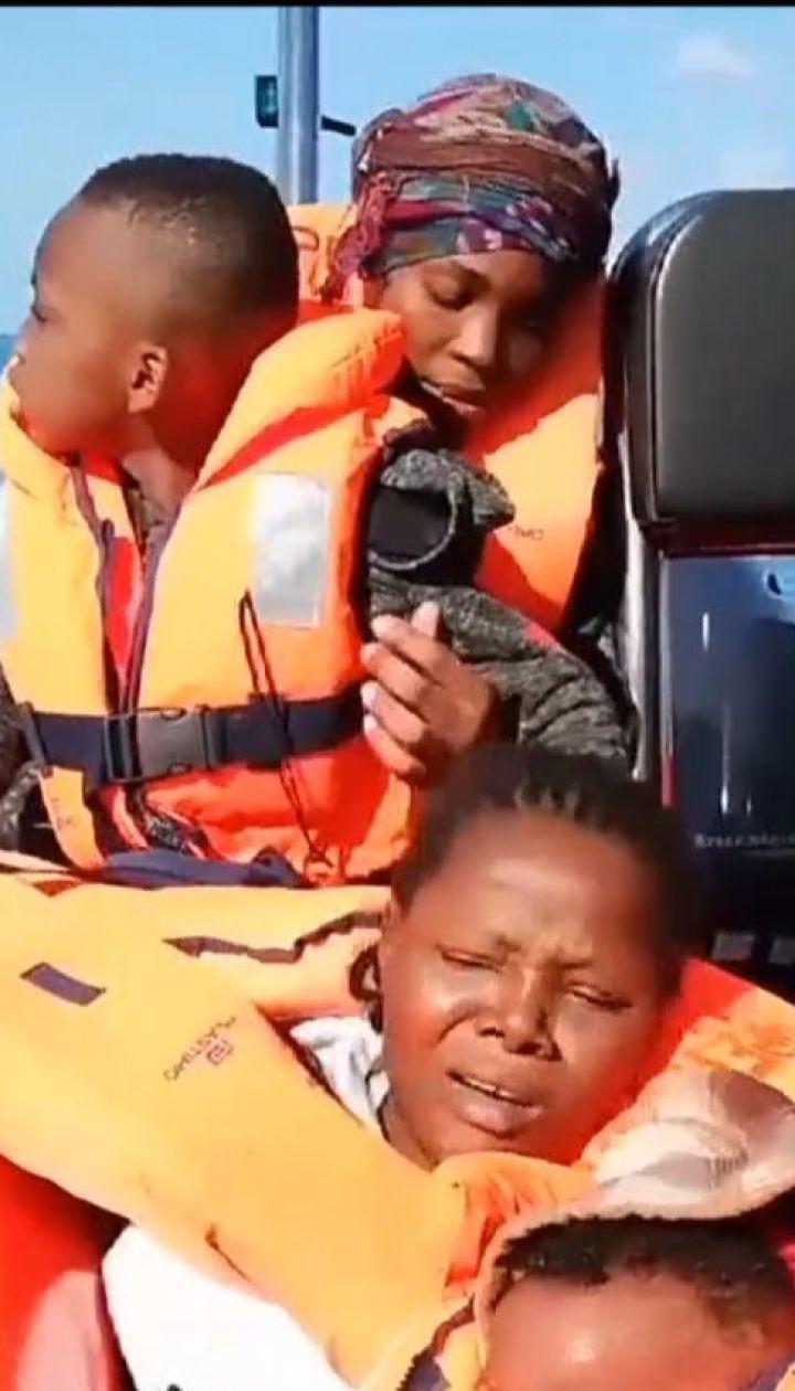 Испанские волонтеры спасли в Средиземном море 300 мигрантов
