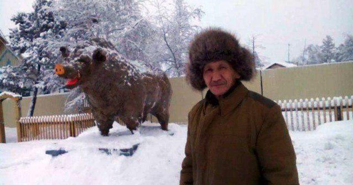 """Поросенок из навоза и петух из дерьма. Чем удивляют мир якутские """"скульпторы"""""""
