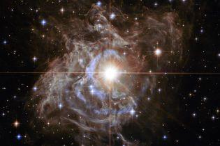 """Телескоп Hubble знайшов у космосі """"різдвяний вінок"""""""