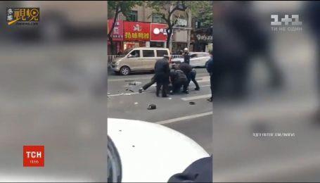 В Китае мужчина угнал автобус и устроил резню