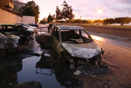 Троє смертників атакували будівлю МЗС Лівії