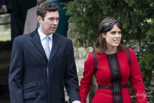 В червоній сукні і крокодилячих туфлях: ефектна принцеса Євгенія з чоловіком у Сандрінгемі