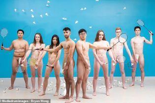 Британські студенти знялися голяка для благодійного календаря