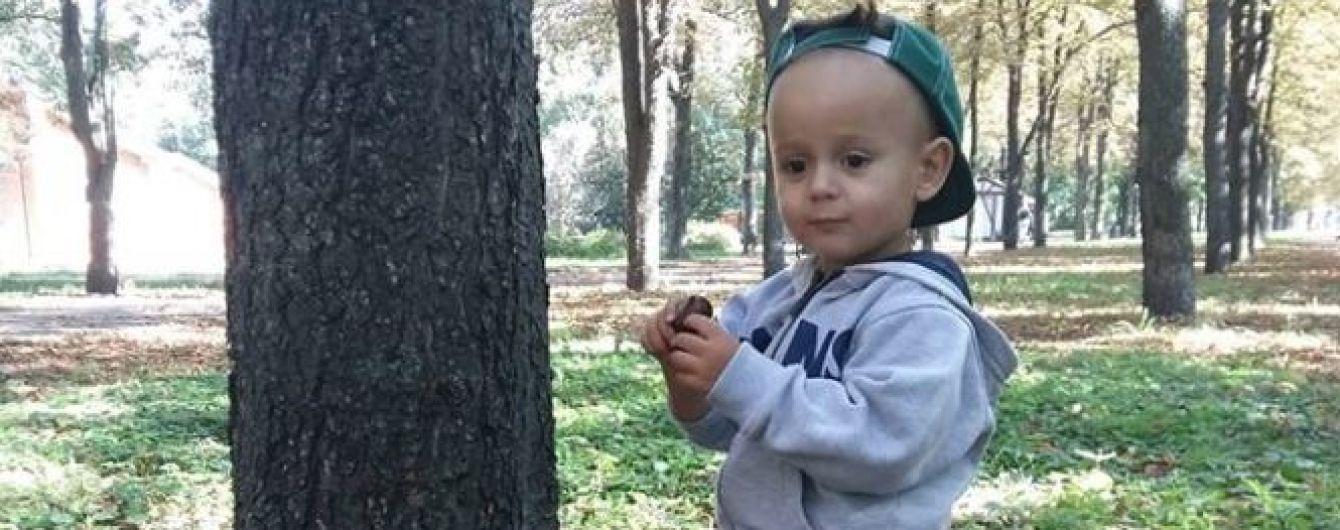 800 тысяч гривен собирают родители Филиппа, чтобы подарить ребенку слух