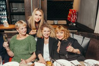 Мамы Ирины Билык и Насти Каменских повеселились на вечеринке в Киеве