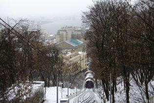 У Києві на Подолі десятки будинків залишилися без гарячої води та опалення