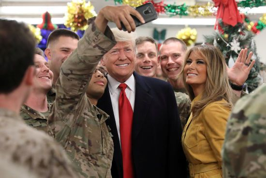 Трамп тайком прилетел к американским военных в Ирак