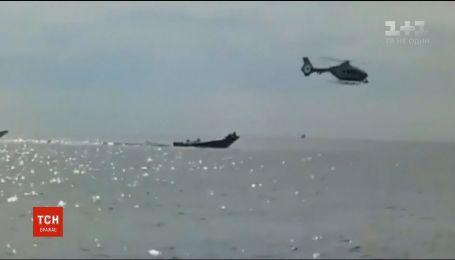 Погоня на море: испанская полиция на катере догнала подозреваемых в перевозке наркотиков