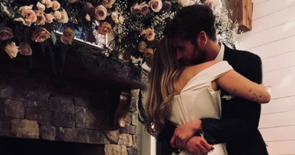 Обійми біля каміну і поцілунки: Майлі Сайрус офіційно підтвердила весілля з Ліамом Гемсвортом
