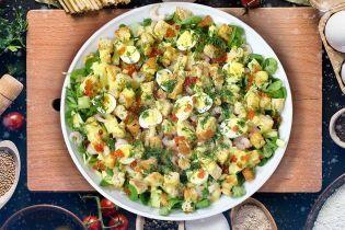 Святковий салат з ікрою та креветками