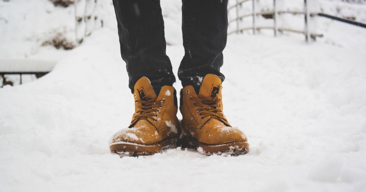 Разрушительная соль. Как уберечь любимую обувь от соляных разводов зимой