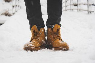 Руйнівна сіль. Як вберегти улюблене взуття від соляних розводів узимку