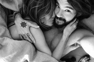 В постели с любимым: Хайди Клум поделилась горячим снимком