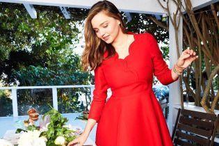 В красном мини-платье: Миранда Керр поделилась праздничным снимком