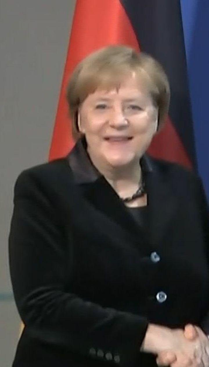 Меркель и Макрон требуют немедленно отпустить захваченных в Керченском проливе украинских моряков