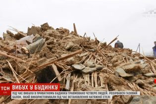Подробиці вибуху на Херсонщині: двоє будівельників лежать у реанімації