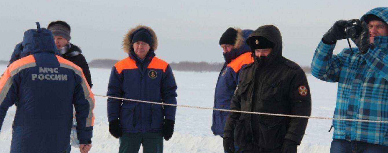 У Росії лавина накрила селище і поховала під собою двох людей