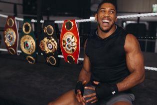 Джошуа визначив топ-3 суперважковаговиків за всю історію боксу