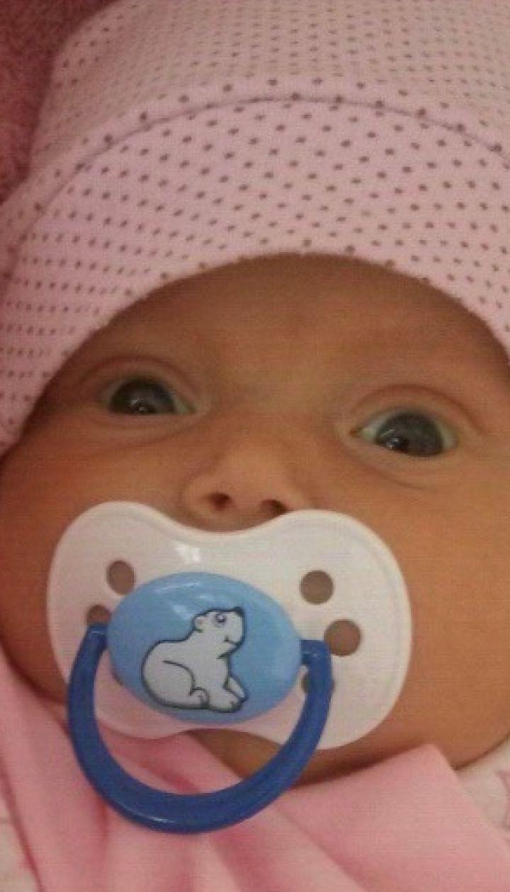 Просьба о новогоднем чуде: в спасении жизни нуждается малышка Ева