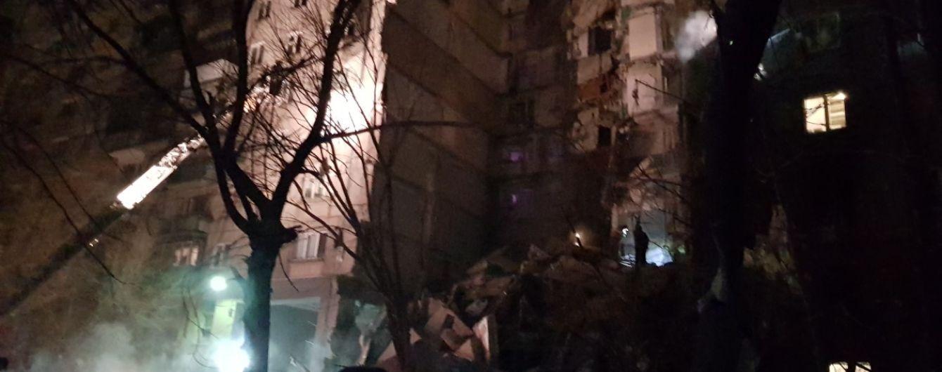 Спасатели достали двух погибших из-под завалов дома в Магнитогорске