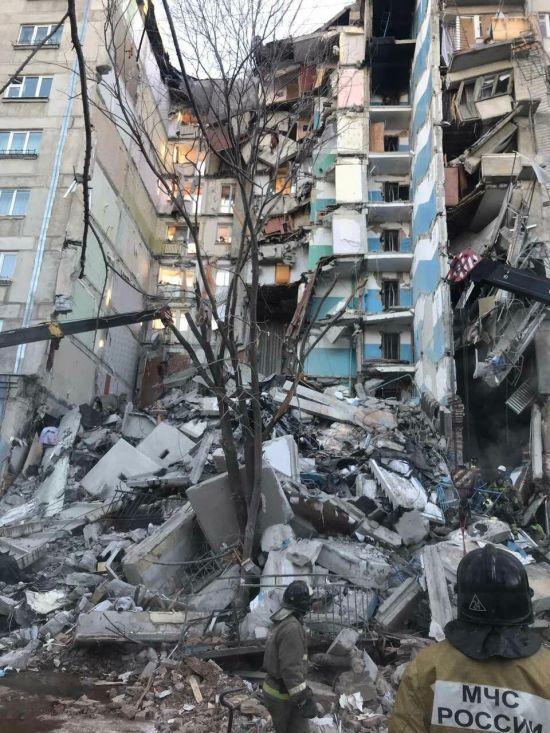 З-під завалів будинку у Магнітогорську дістали тіла ще двох загиблих