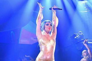 В откровенных боди и не только: Леди Гага дала концерт в Лас-Вегасе