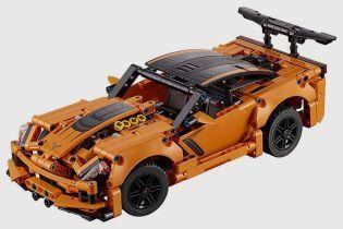 Спорткар Chevrolet Corvette воссоздали в Lego