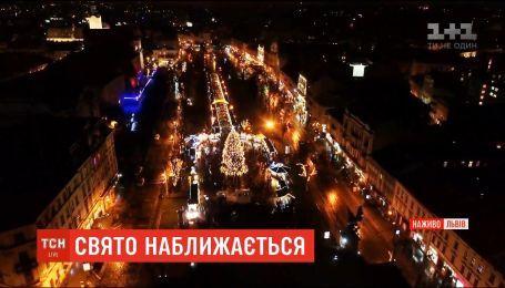 Свято наближається: як святкують Новий рік в Одесі, Харкові та Львові