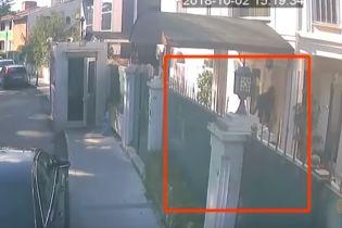 З'явилося відео, як частини тіла Хашоггі у валізах переносили до резиденції саудівського консула – ЗМІ