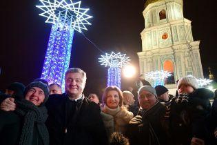 Порошенко приехал на Софийскую площадь лично поздравить киевлян с Новым годом