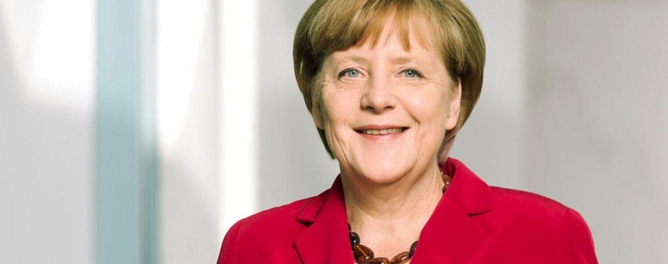 Меркель повернулася до роботи після карантину