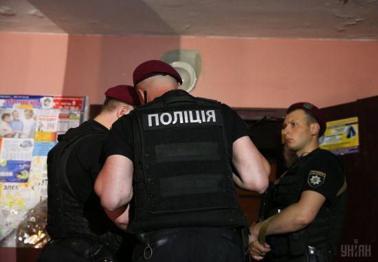 """""""Завів до сараю та знущався"""". На Житомирщині затримали ґвалтівника 3-річної дівчинки"""