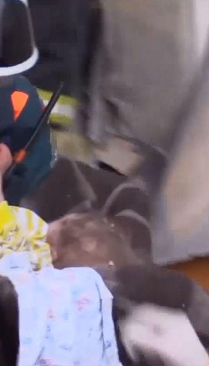 В Магнитогорске под завалами дома нашли живым 11-месячного младенца