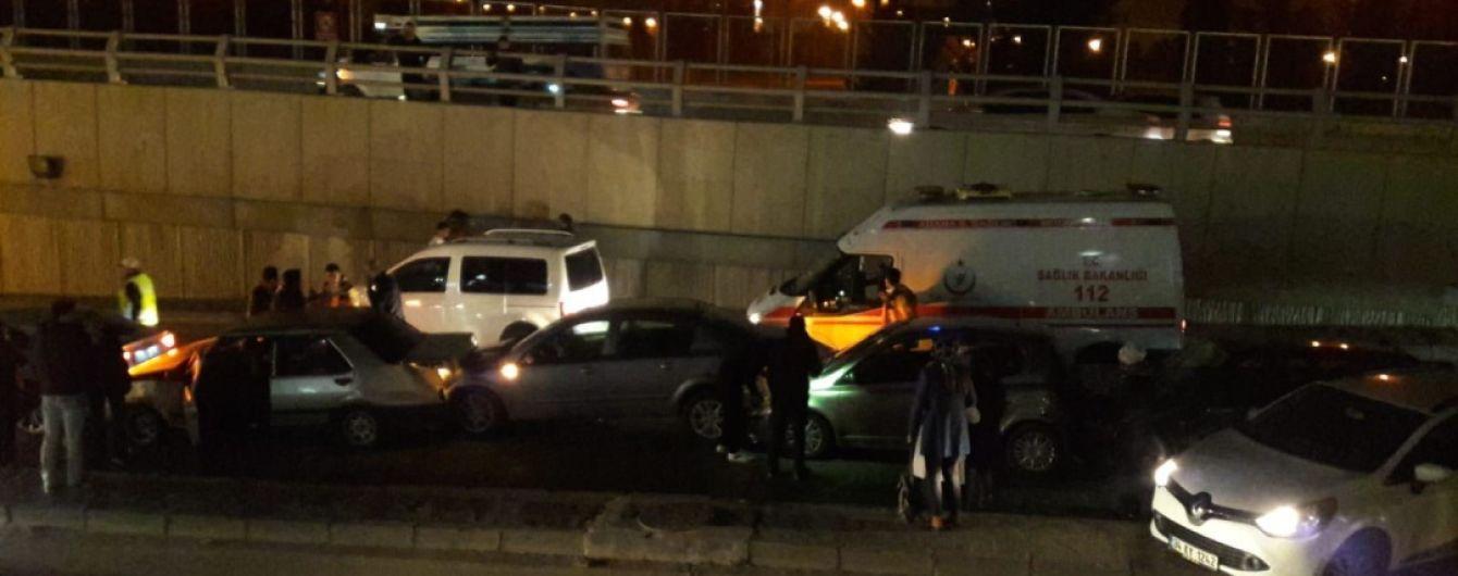 В Турции столкнулось десять авто, есть раненые