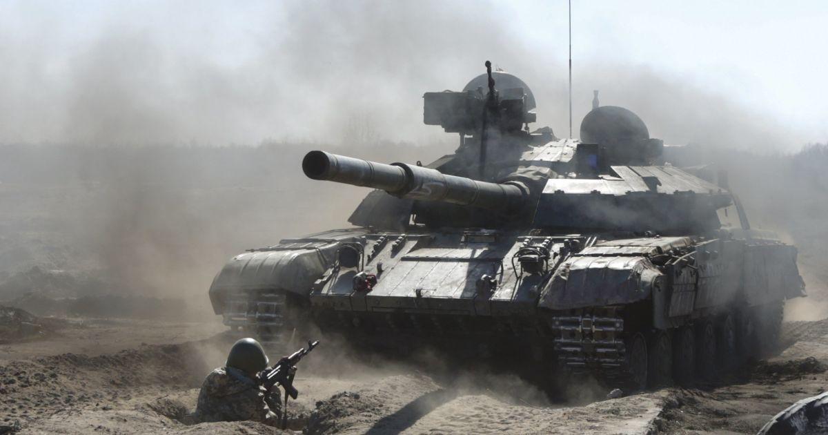 У Порошенко сообщили о значительных потерях среди военных на Донбассе за прошедшие сутки