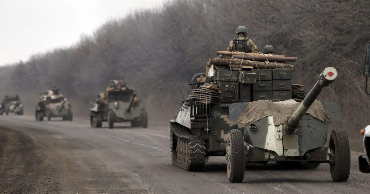 В штабе АТО объяснили, при каких условиях начнут отводить вооружение менее 100 мм