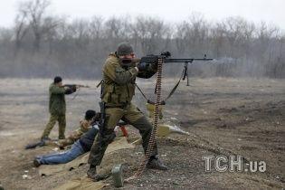 В зоні АТО активізувалися снайпери бойовиків, за добу убитий один військовий