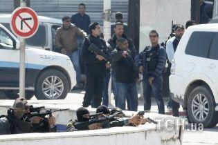 У Тунісі в захопленому терористами музеї загинули принаймні 17 туристів