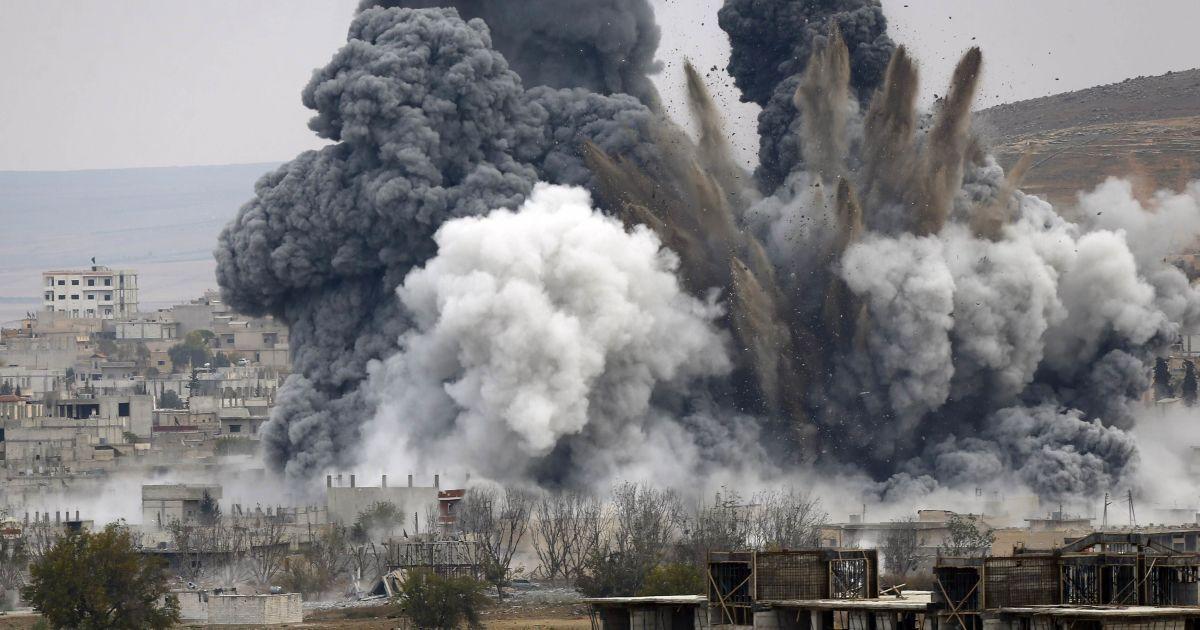 Росія вперше завдала удар авіацією у Сирії – CNN