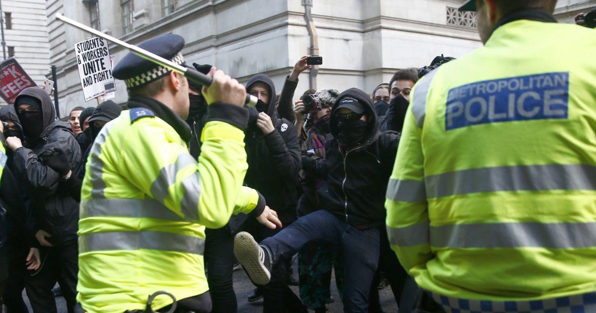 В Лондоне студенты протесутют против повышения платы за обучение. @ Reuters
