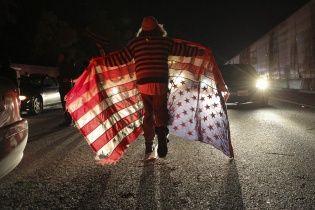 Смотрите онлайн-трансляцию массовых протестов в американском Фергюсоне