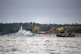 Шведы продолжают с беспрецедентным размахом искать непрошеную субмарину в своих водах