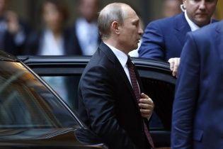 Россиянам внушают мысли, что без Путина не будет России