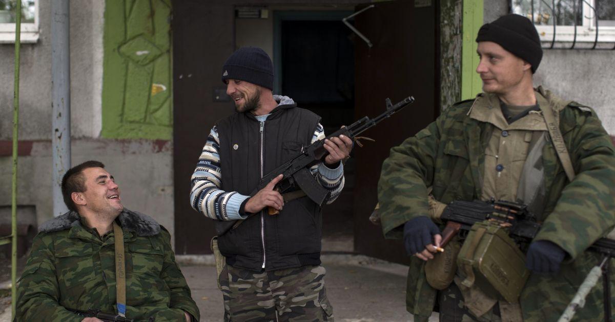 По улицам Ясиноватой бродят боевики @ Reuters