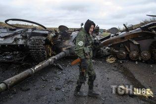 """В """"ЛНР"""" угрожают забрать у пенсионеров деньги, если они не вступят в ряды боевиков"""