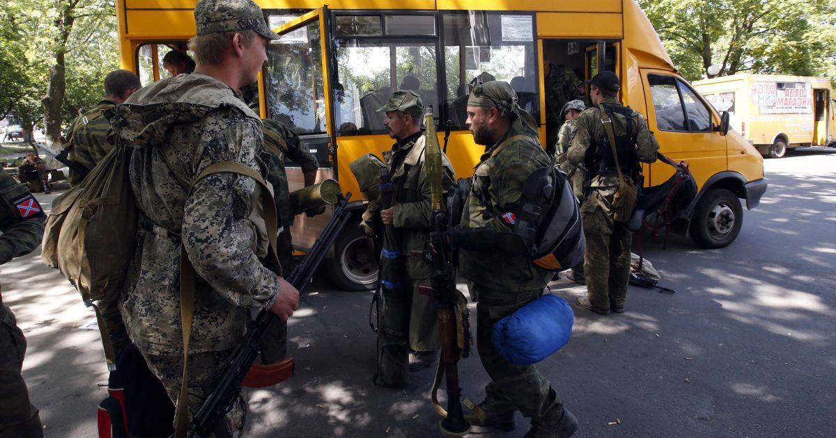 Терористи залишають Краматорськ. @ Reuters