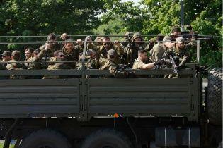 Запеклі бої в Донецьку перемістилися під обласний військкомат – ЗМІ